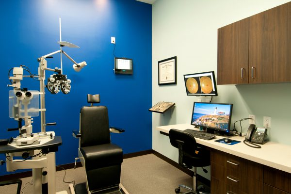 dr-spex-exam-room-min